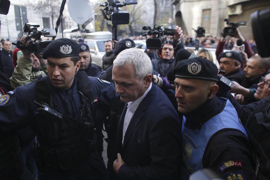 VIDEO: cine este jandarmul care a dat cu pumnul! E trup și suflet să-l apere pe Infractorul Dragnea, la DNA! - Nationalisti.ro