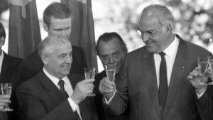 Uneltirile Germaniei din 1989 și 1990 pentru dezmembrarea României - Justitiarul - revista de investigatiiJustitiarul – revista de investigatii