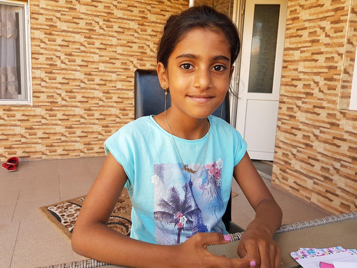 Povestea Sorinei, fetița de 8 ani luată cu mascații de la familia de asistenți maternali. 5 ani n-a vrut-o nimeni, acum două familii se bat pe ea | Libertatea