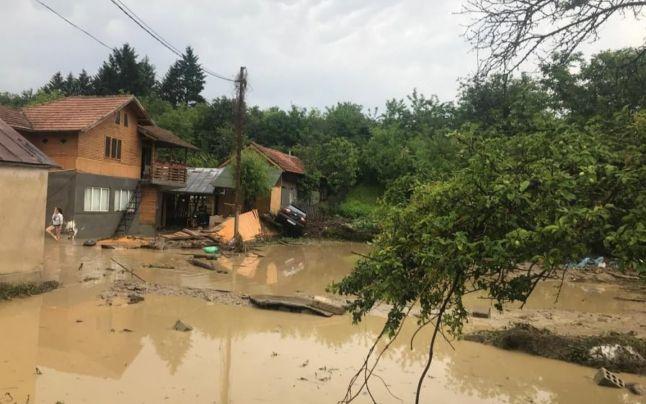 Patriarhia Română alocă noi fonduri pentru victimele inundaţiilor din Prahova - Basilica.ro