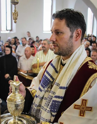 Cunoscutul medic neurochirurg Arhidiaconul Ștefan Mindea va fi hirotonit preot