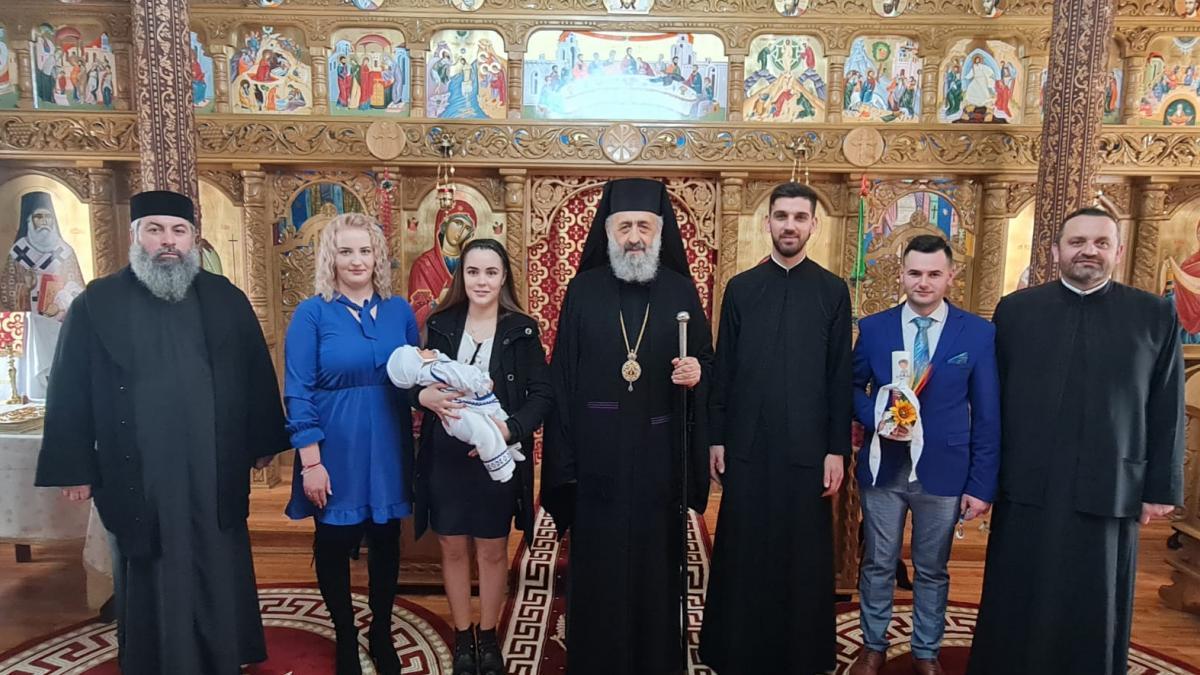 Întâistătătorul Eparhiei noastre a oficiat Taina Sfântului Botez în parohia Heria, protopopiatul Aiud | Reîntregirea