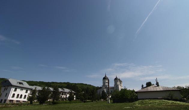 Legenda Mănăstirii Celic Dere şi a  icoanei care se curăţă singură